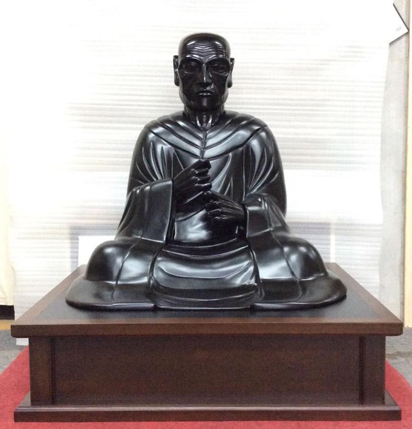 仏像をメンテナンスした状態